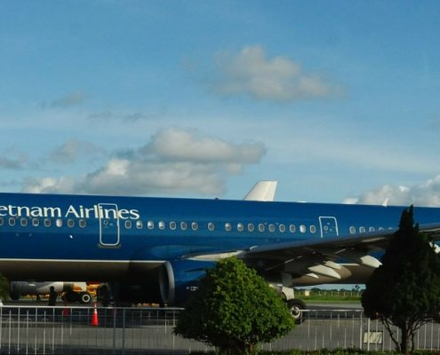 vietnam airlines in blue aerospace coatings